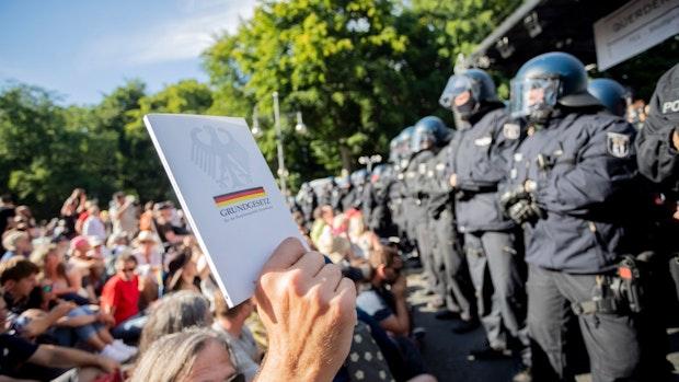 Debatte über Demonstrationsrecht entfacht