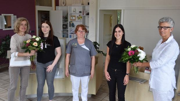 Angehende Pflegefachfrauen gehören jetzt zum Team