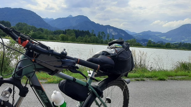 Zwei auf Tour und die Werder-Raute radelt mit