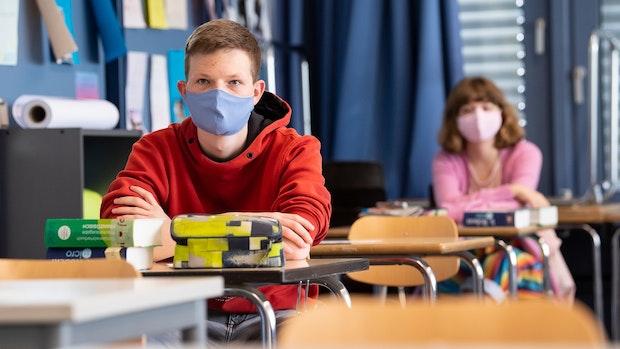 Lokal und zeitlich begrenzte Maskenpflicht in Schulen?