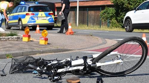 Tödlicher Unfall zwischen Lkw und Radfahrerin