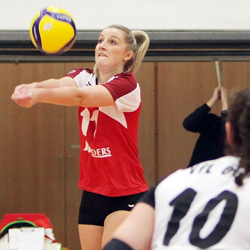 Im Fokus: Sina Albers ist neue Oyther Mannschaftskapitänin. Sie steht vor ihrer dritten VfL-Saison. Foto: Schikora