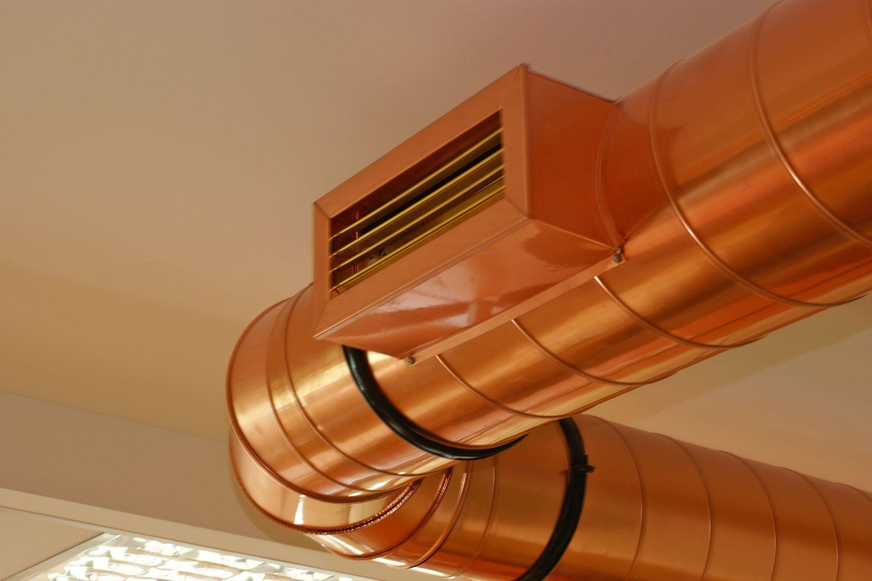 Kupfer wird oftmals sichtbar angewendet - am häufigsten allerdings unsichtbar in Leitungen, Kabeln und Geräten. Foto: djd/DKI