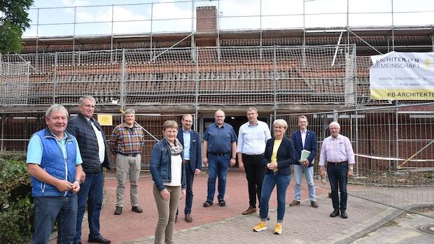 Sporthalle Mühlen bekommt neues Dach