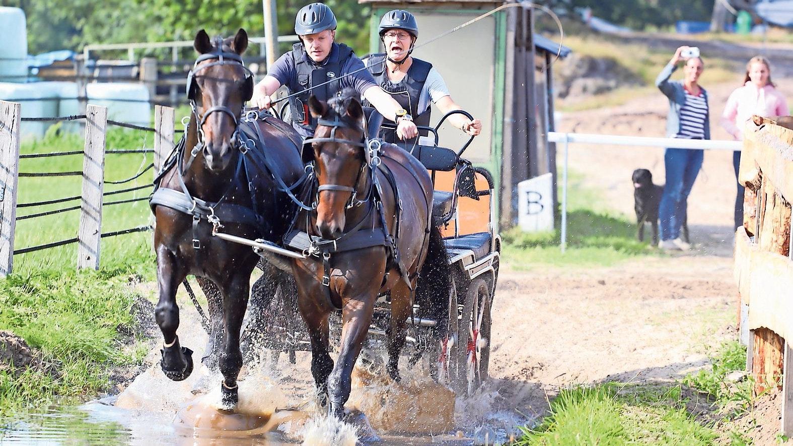 Durchs Gelände: Bei optimalen äußeren Bedingungen absolvierten die Fahrer in Thüle ihre Prüfungen.Foto: Passmann