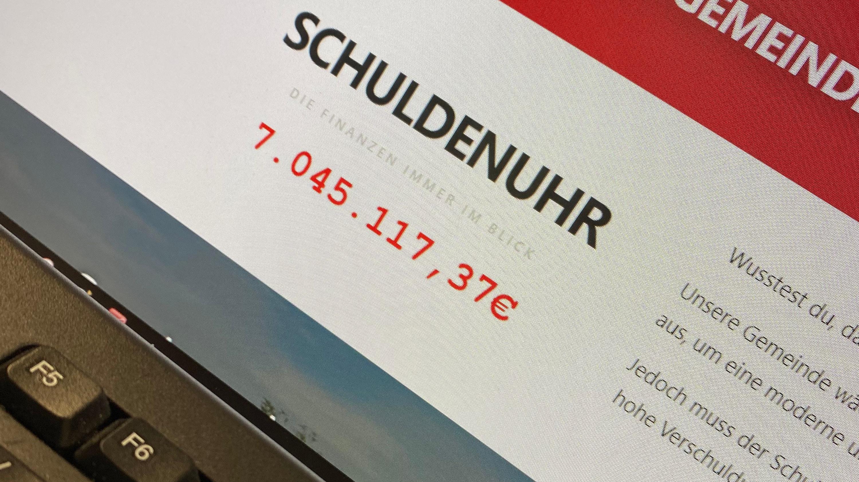 Stein des Anstoßes: die Schuldenuhr auf der Webseite der Molberger SPD.  Foto: Bosse