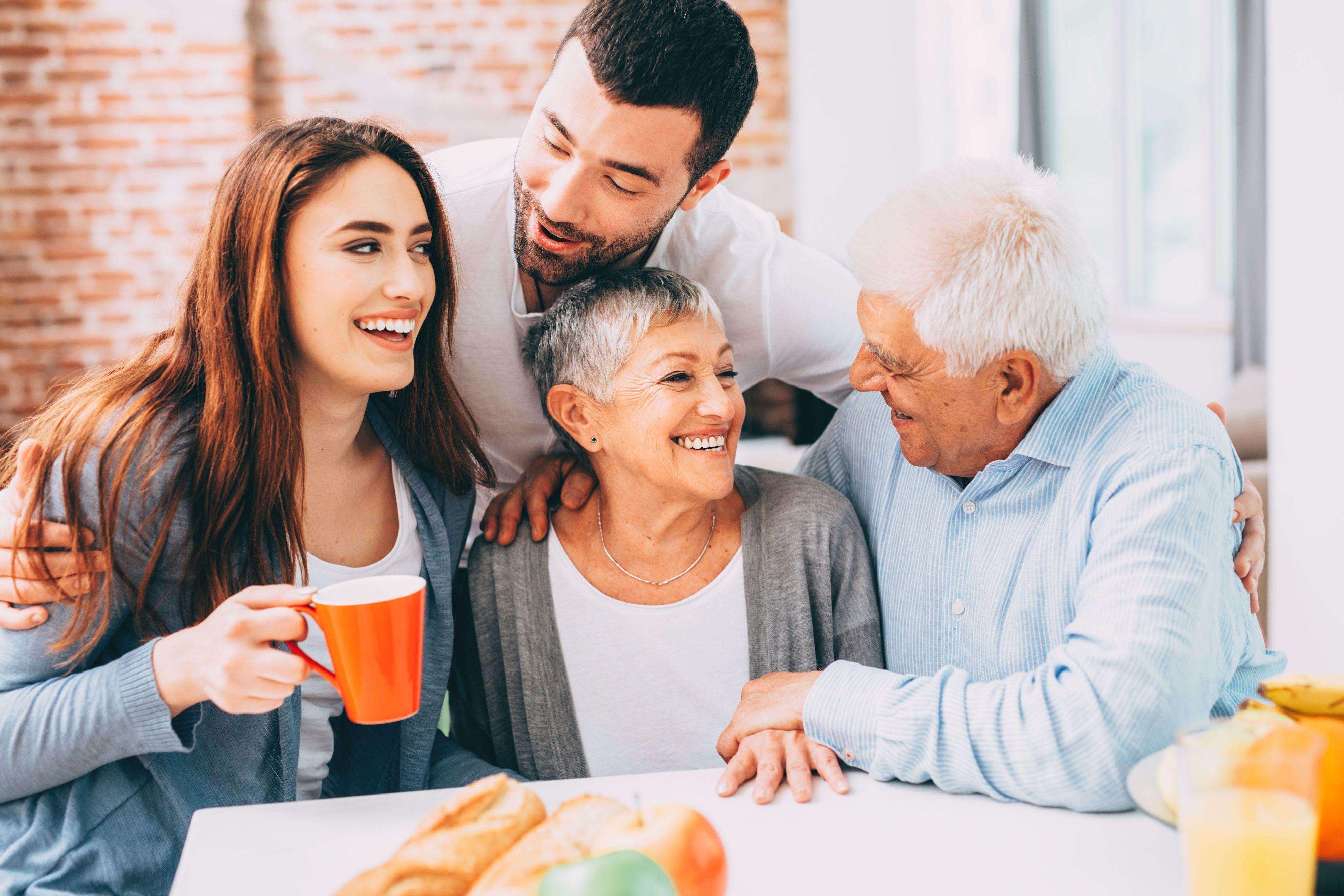 Die Familie ist den Bundesbürgern besonders wichtig, das Zusammensein mit den Liebsten könnte zum neuen Luxus werden. <br>Foto: djd/Eurojackpot/Getty Images/Todor Tsvetkov