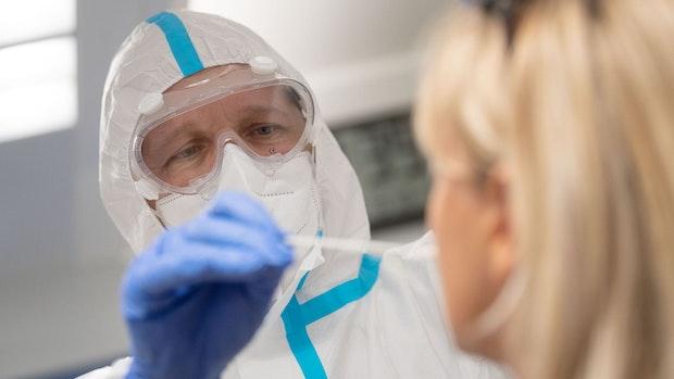 Mehr als 11.000 Corona-Neuinfektionen in Deutschland