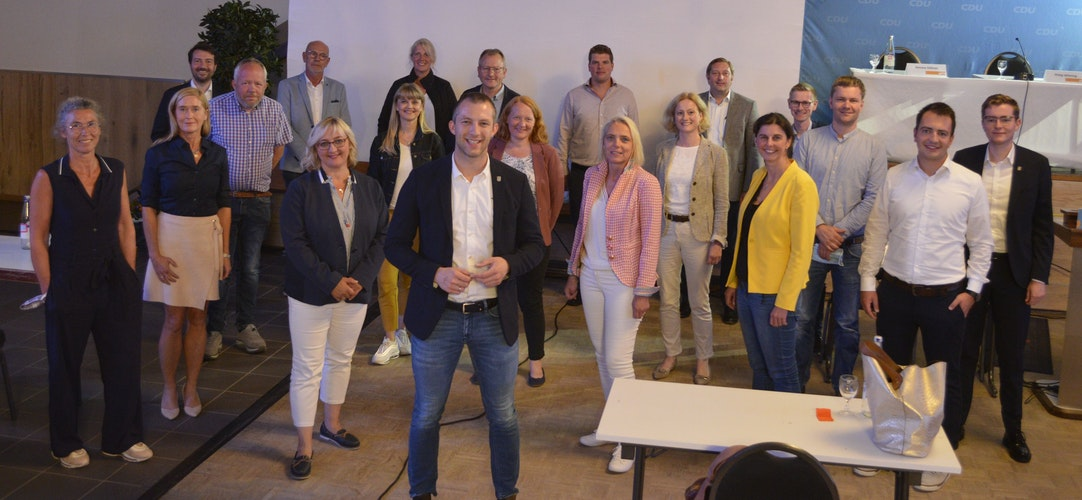 Gruppenfoto im Waldhof: Der neue Vorstand des CDU-Kreisverbandes Vechta. Foto: R. GerdesCDU