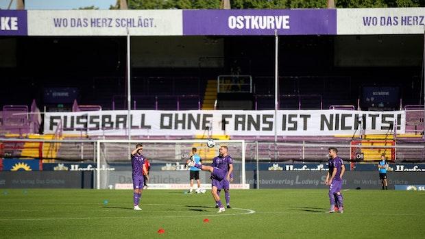 VfL Osnabrück spielt gegen Hannover 96 vor 3200 Zuschauern