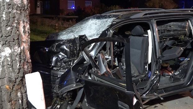 Zwei Tote und sechs teilweise lebensgefährlich Verletzte nach Unfall