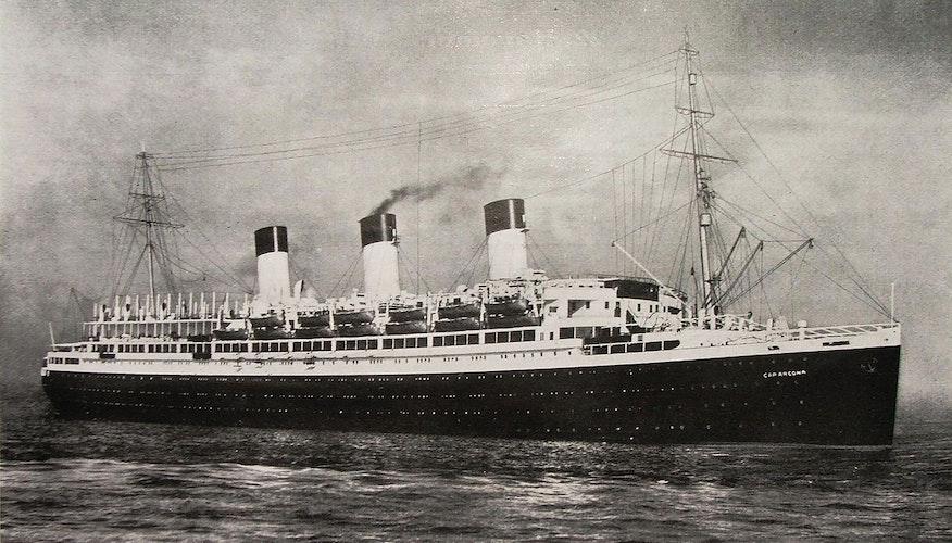 """Tödlicher Irrtum: Bomberpiloten hielten die Cap Arcona"""" für einen Truppentransporter. Tausende Gefangene starben in der Ostsee."""