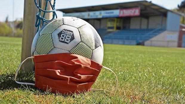 Polizei pfeift verbotenes Fußballspiel ab
