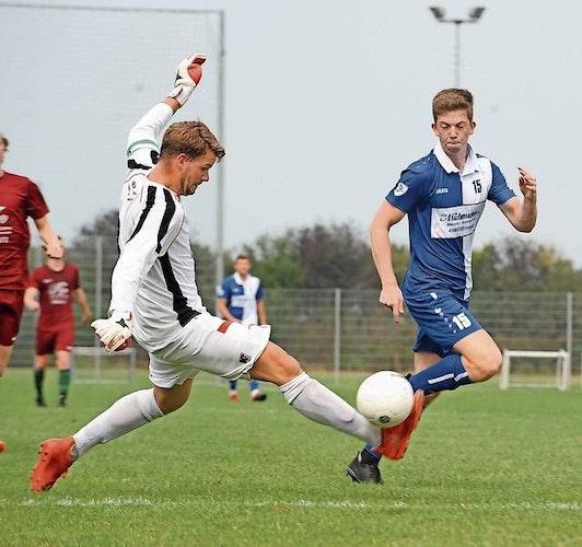 Soll Tore schießen: Der Angreifer Justus Böckmann (rechts) erzielte in der vergangenen Kreisliga-Saison vier Treffer. Foto: Bettenstaedt