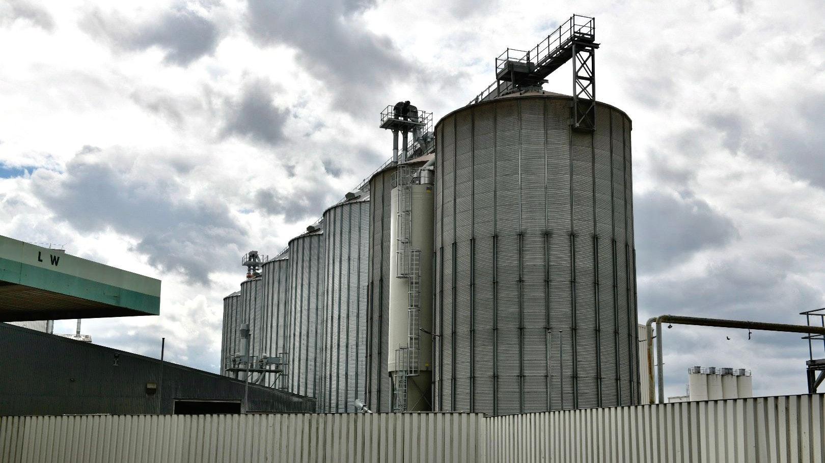 Getreidesilos der Firma Fleming und Wendeln in Garrel. Foto: M. Niehues