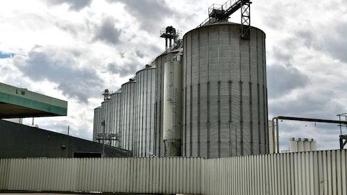 Getreidediebstahl: Angeklagte müssen mit 3 bis 6 Jahren Haft rechnen