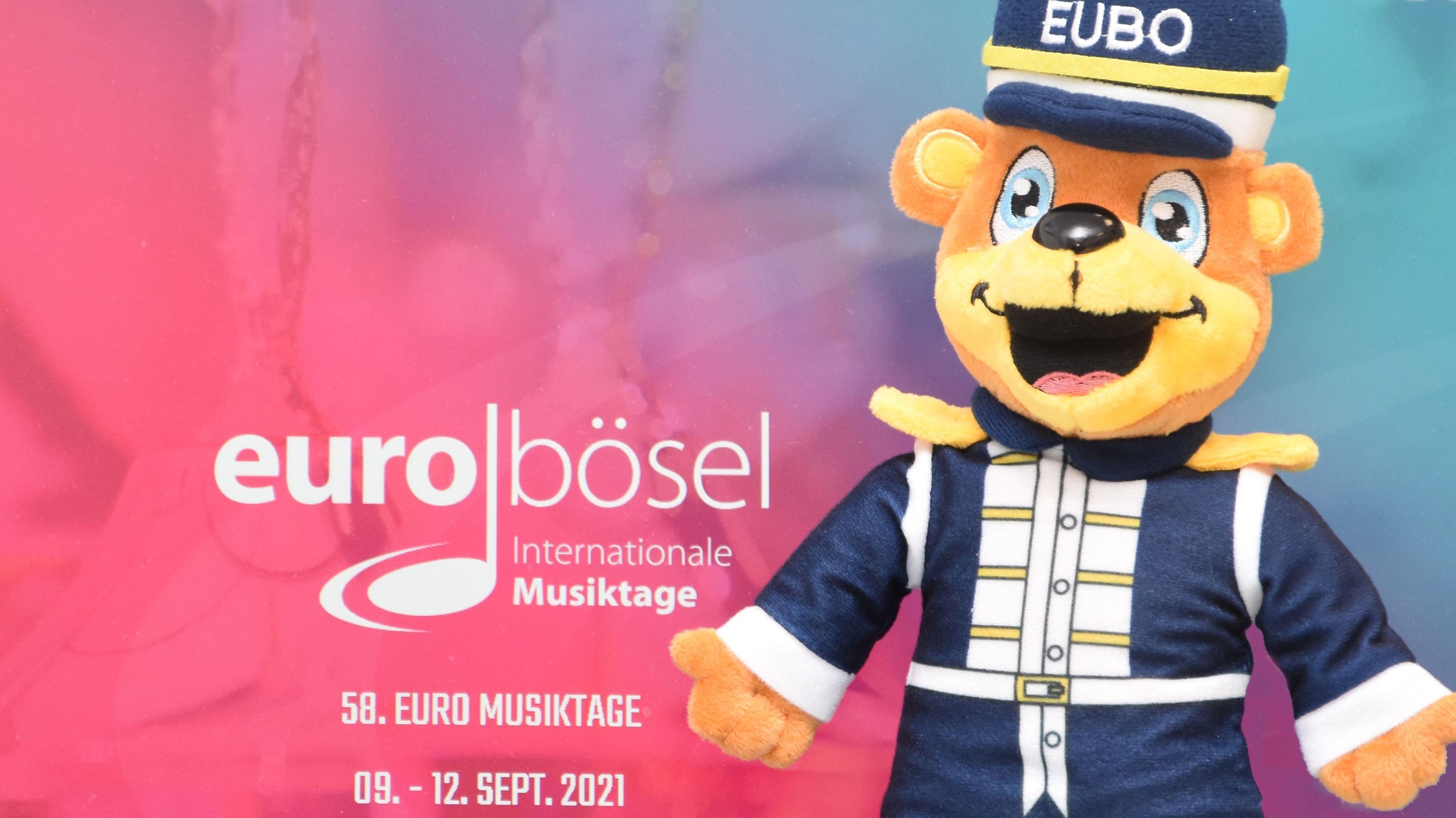 25 Zentimeter groß: Statt der Euro-Musiktage präsentiert sich zumindest der Mini-EuBo, der ab jetzt erhältlich ist. Foto: Claudia Wimberg