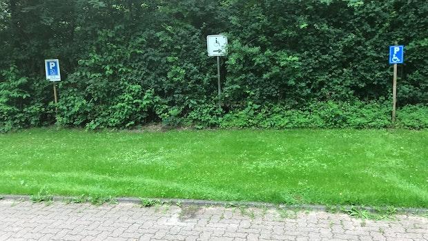 Barrierefreiheit: Parkplatzsituation am Hartensbergsee ist verbesserungswürdig