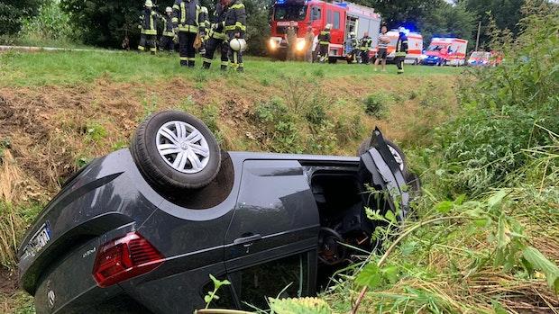 Frau bei Autounfall in Bösel schwer verletzt