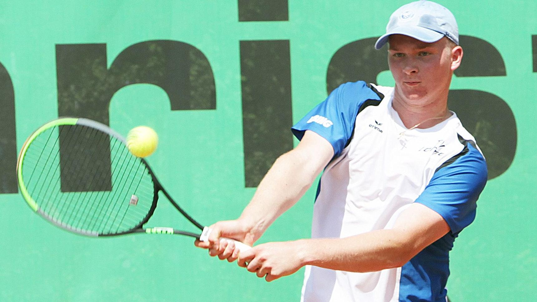 Im Einzel und im Doppel erfolgreich: Arkadiy Kharenko von den Lohner Tennis-Herren. Foto: Schikora
