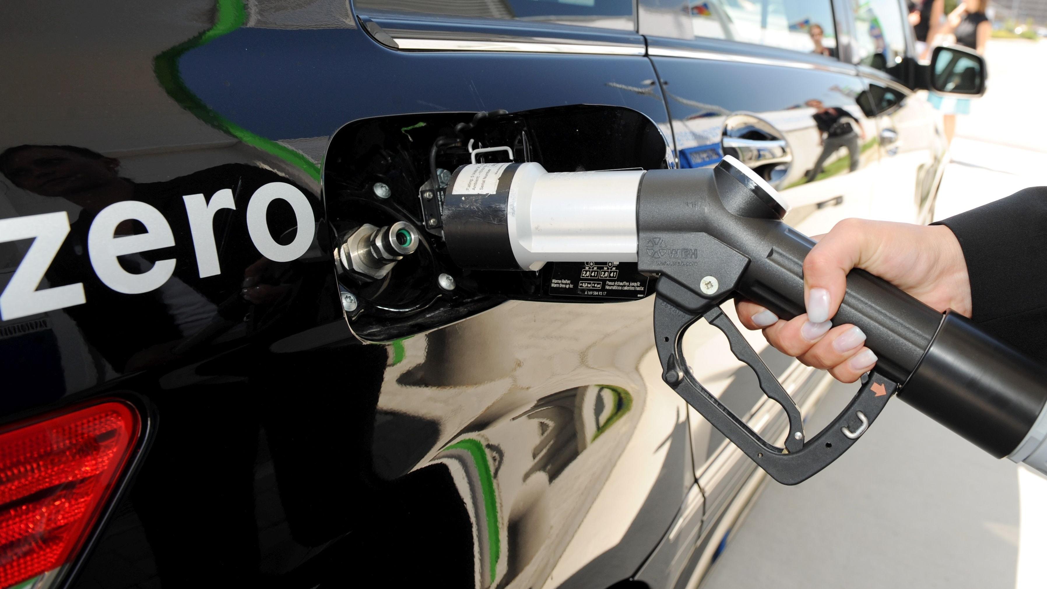 Königsweg Wasserstoff? Die Tankstellenbetreiber setzen nicht allein auf diesen Treibstoff, sondern auf einen Energiemix. Foto: dpa/Weißbrod