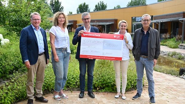 """Hospiz """"wanderlicht"""" freut sich über 10.000-Euro-Spende"""