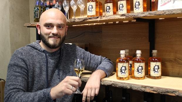 Florian Falk produziert in seiner Freizeit Rum