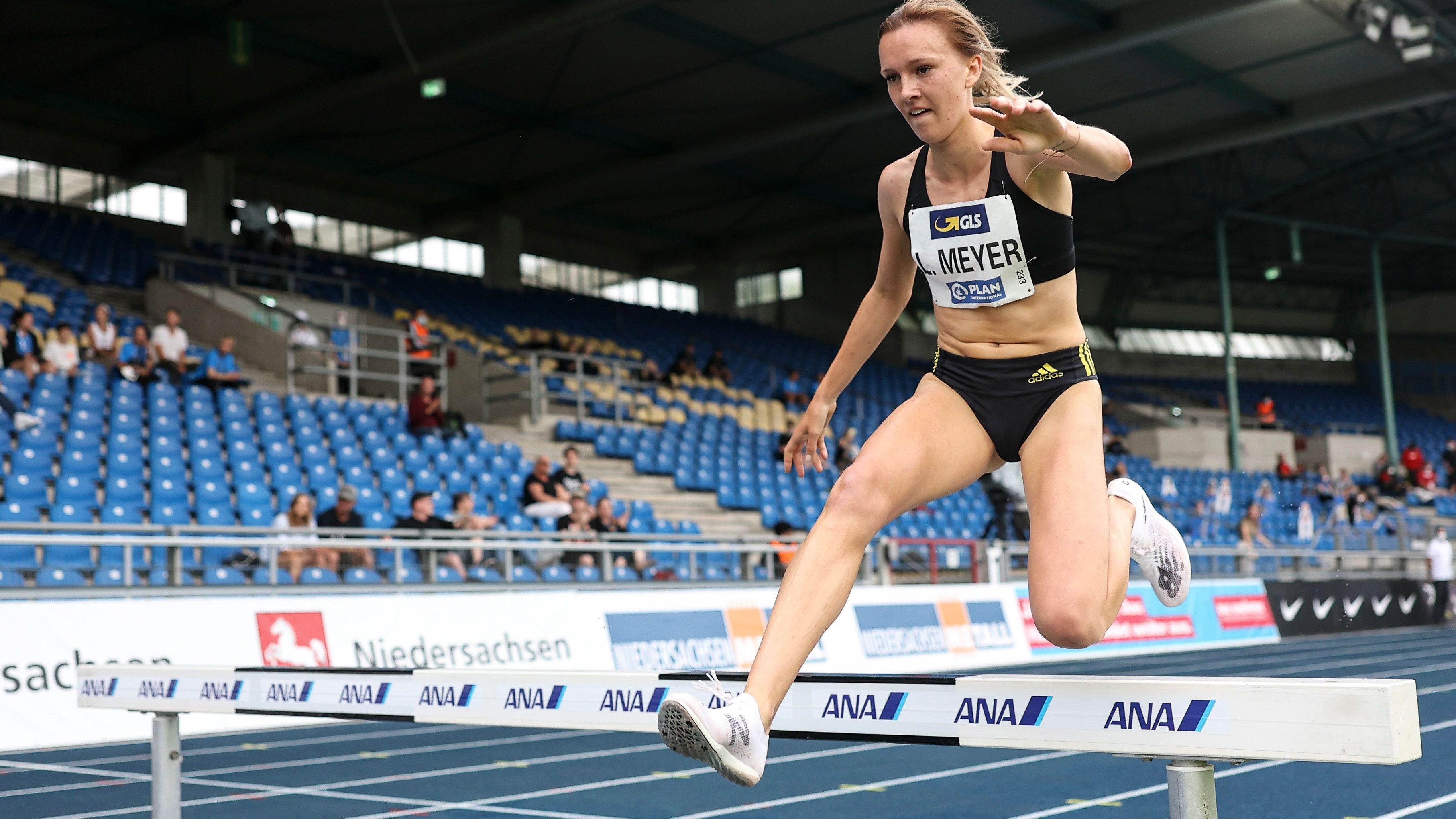 Gelingt der ganz große Satz? Lea Meyer vom VfL Löningen startet am Sonntag (von 2.40 Uhr an, MESZ) bei den Olympischen Spielen im Vorlauf über 3000 Meter Hindernis. In drei Rennen ermitteln 45 Starterinnen 15 Finalistinnen. Foto: Beautiful Sports/Axel Kohring