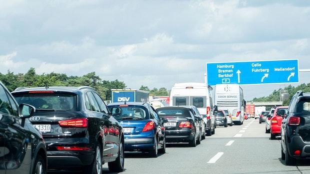 Volle Autobahnen an bundesweitem Ferienwochenende erwartet