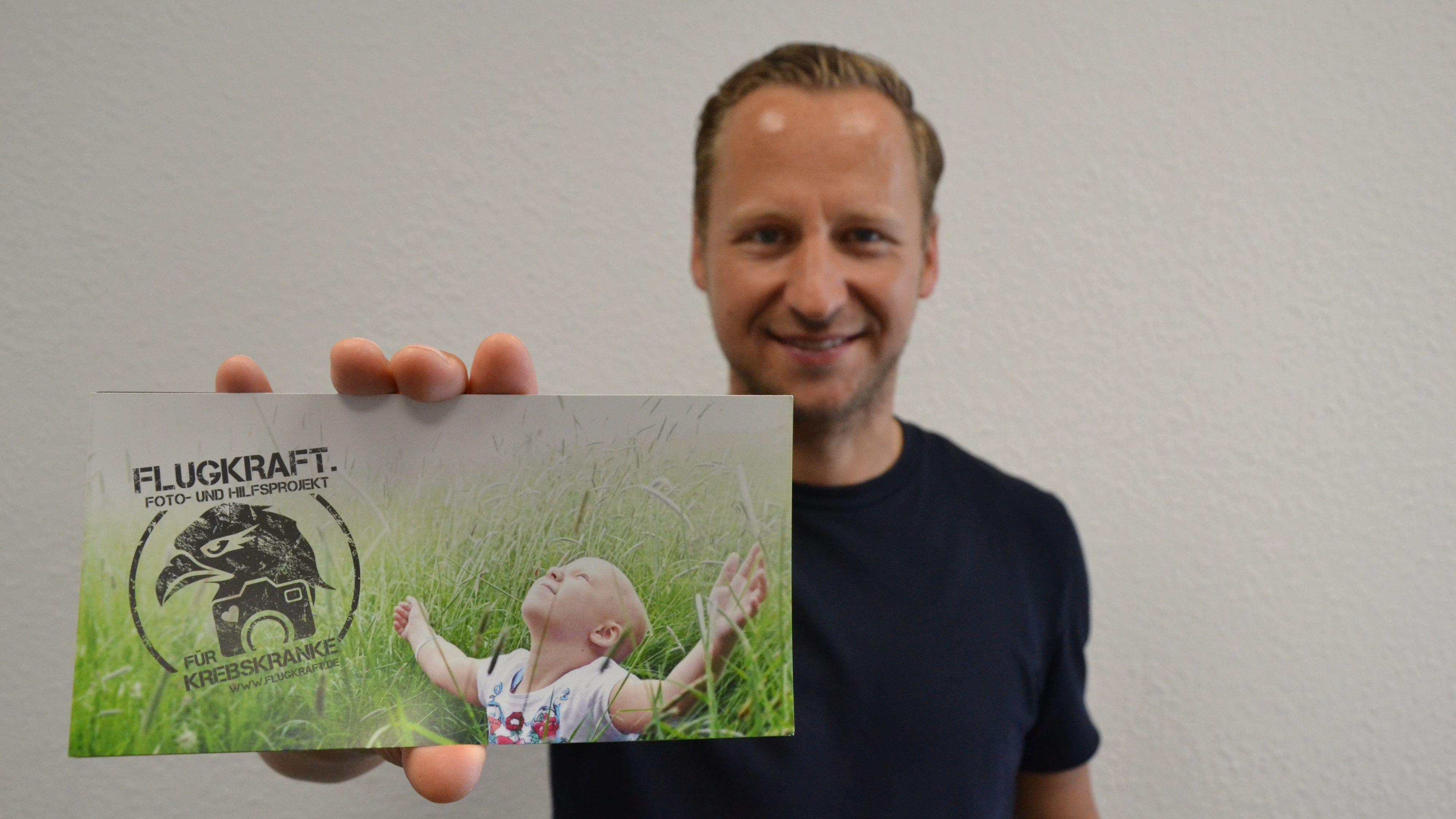 Unterstützt krebskranke Kinder. Bernd Eick rührt auf seiner Deutschlandtour die Werbetrommel. Foto: Meyer