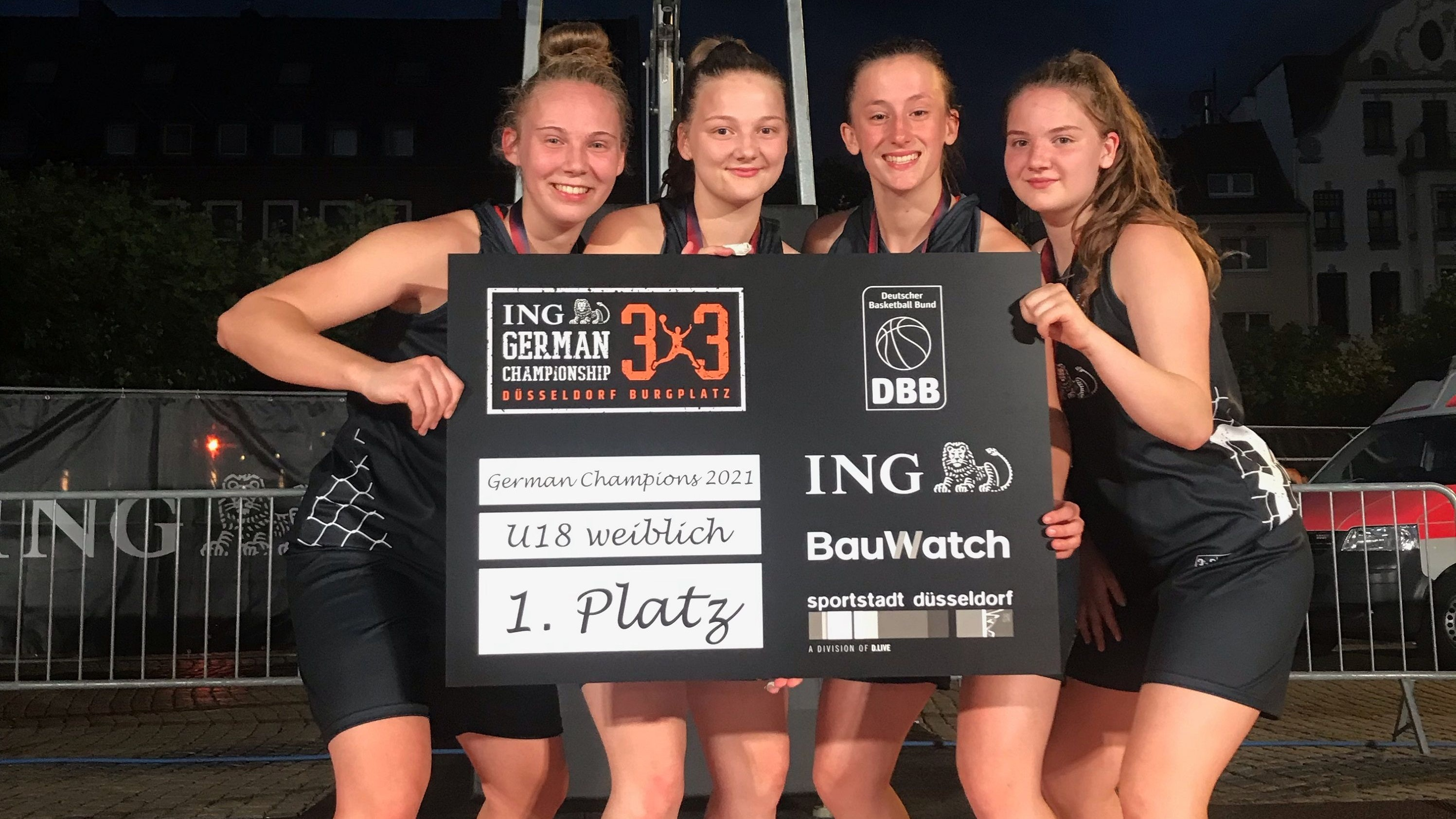 U-18-Champions im 3x3-Basketball: Osnabrücks Team mit (von links) Maira Banko, Malea Sprehe, Luise Hansmann und Pia Sprehe. Malea und Pia Sprehe kommen aus Vörden. Foto: DBB