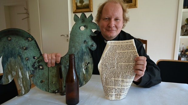 Alte Urkunde steckte in Peheimer Kirchturmspitze