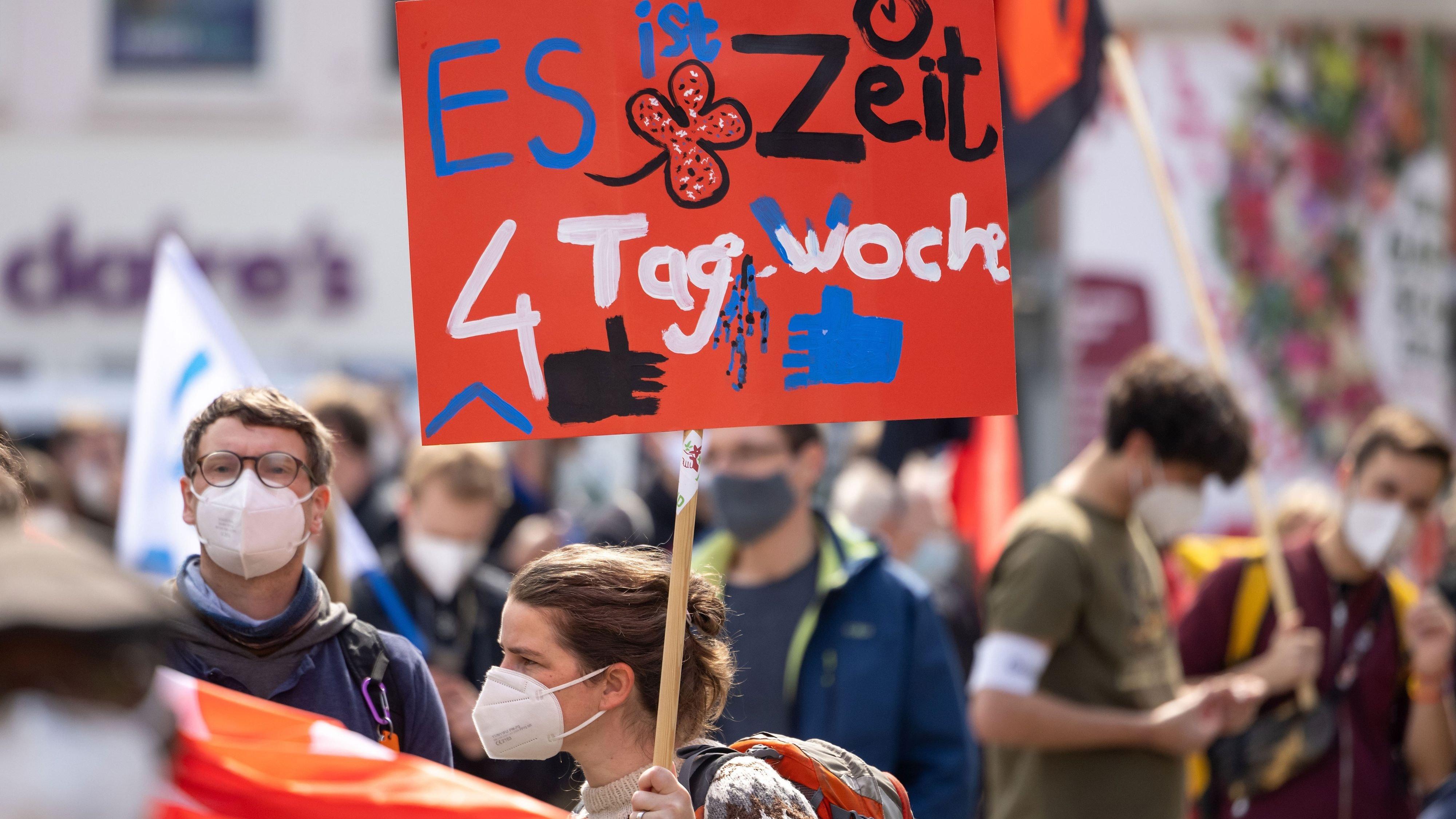 Forderung der Gewerkschaften am 1. Mai: Die 4-Tage-Woche hält jetzt allerdings Einzug im örtlichen Handwerk. Symbolfoto: dpa / Reichel