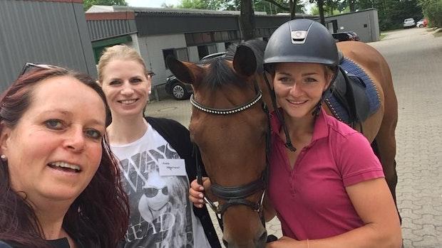 Olympiasiegerin Julia Krajewski erhält erstes Rüstzeug bei Böseler Reitlehrerin