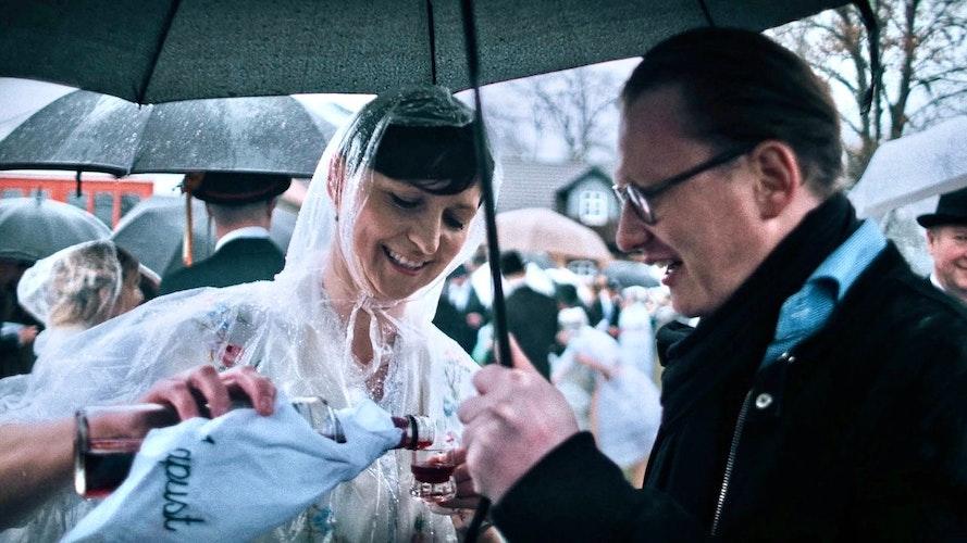 Konnten ja nicht ahnen, dass der Berliner Krawattenkönig ein waschechter Südoldenburger ist: Scheper-Stuke kann picheln, was das Zeug hält. Foto: privat