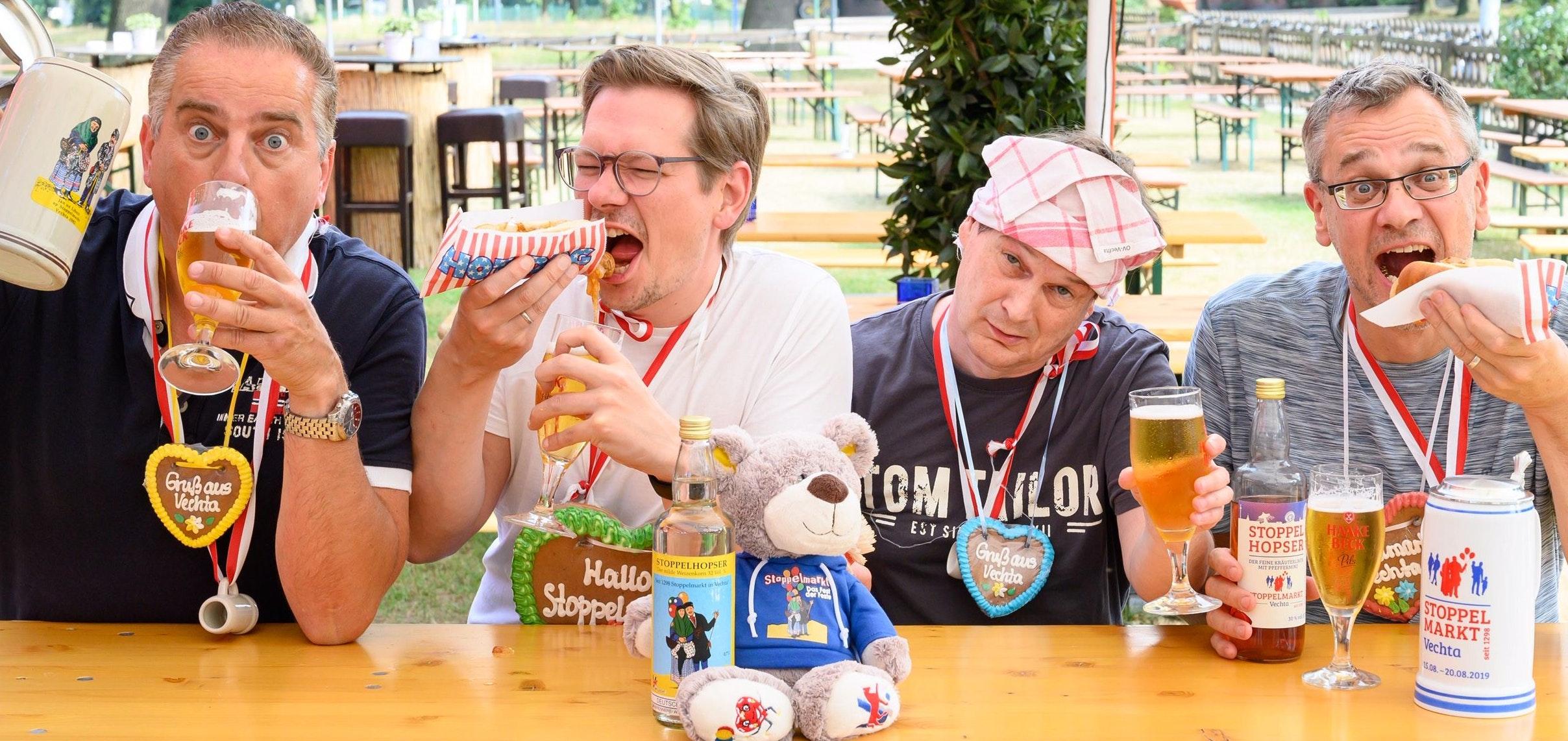 Hatten wie immer mächtig Spaß beim Unsinn schreiben: Die StoMa-Redakteure (von links) Matthias Niehues, Lars Chowanietz, Thomas Speckmann und Ulrich Suffner. Foto: Selbstauslöser
