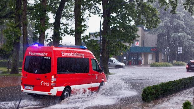 Starkregen: Land unter in Lindern