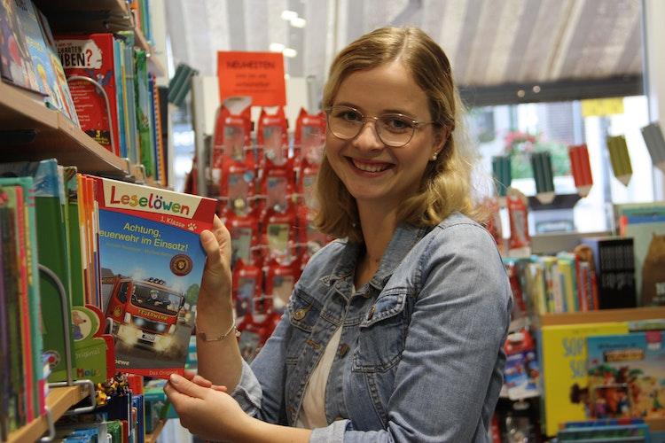 Kümmert sich um die Leseförderung bei Jugendlichen: Laura Triphaus. Foto: Bernhardt