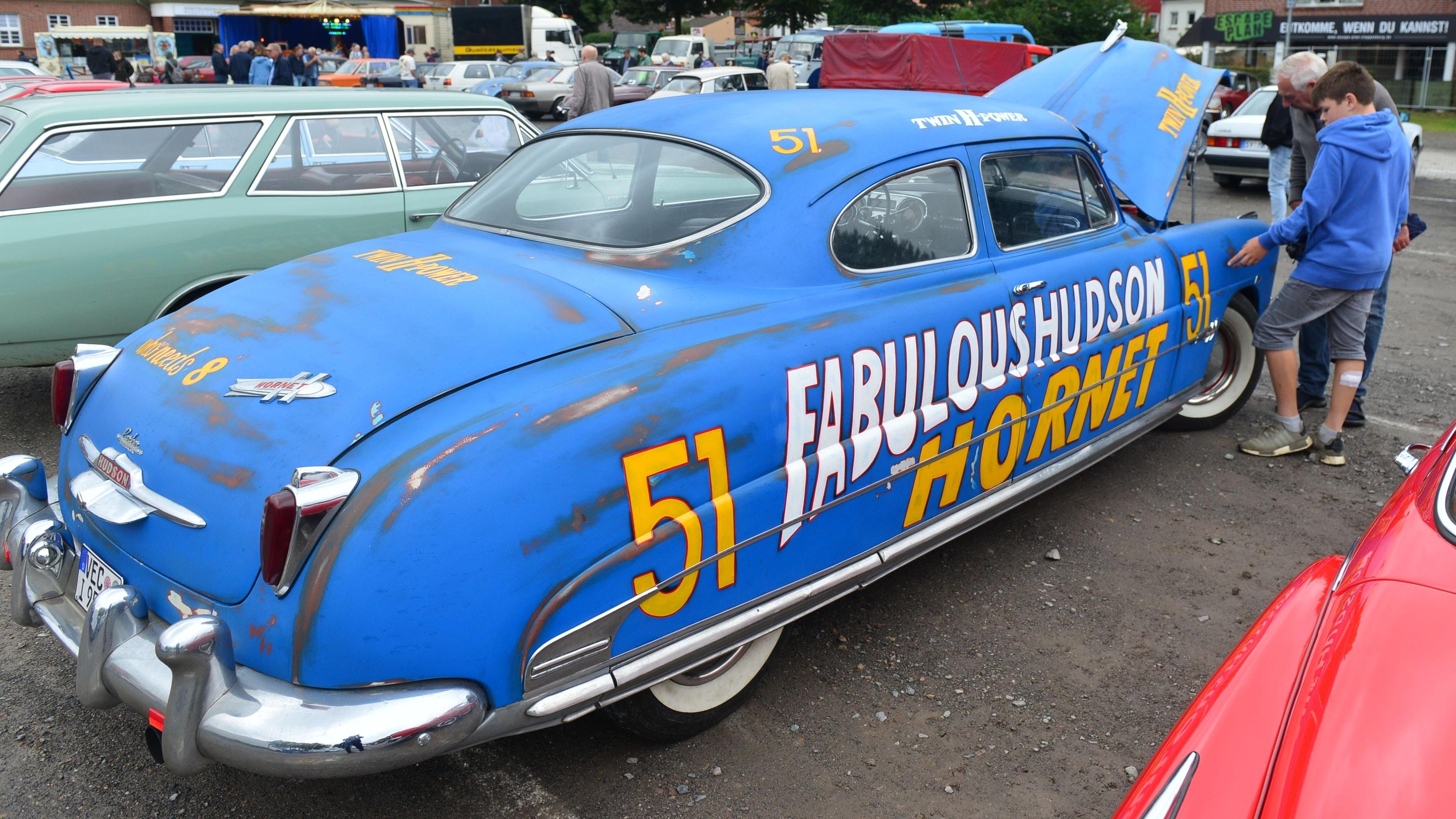 Ein Modell der Oberklasse war der Hudson Hornet, auch Hornisse genannt. Der Wagen wurde im Zeitraum von 1951 bis 1954 in Detroit (USA) produziert. Foto: Heidkamp