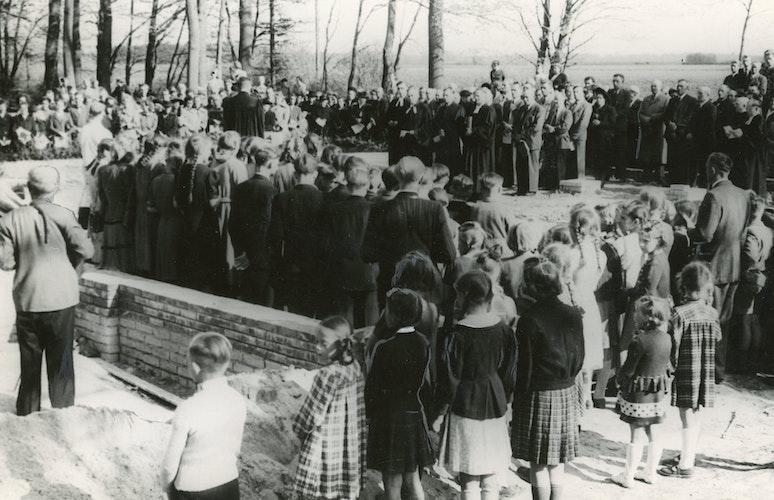 Die Grundsteinlegung 1951 für die Gethsemanekirche. Foto: Archiv Heimatverein Bakum