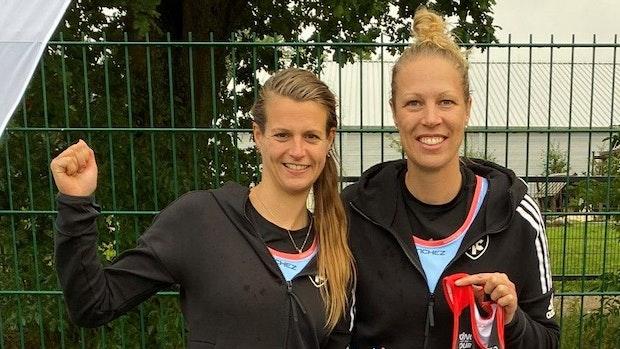 Katharina Rathkamp und Nina Deepen holen Titel in Hamburg