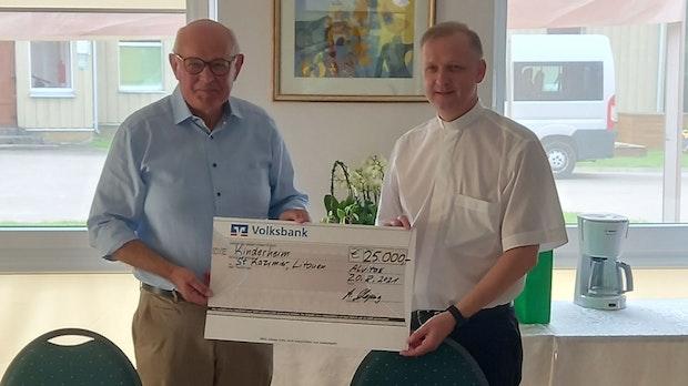 Alfons Hoping hat 25.000 Euro im Reisegepäck