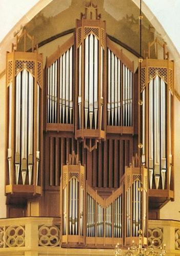 Für eine Million DM erbaut: Die Sauer-Orgel in der katholischen Kirche St. Catharina in Dinklage. Foto: Archiv Pfarrgemeinde