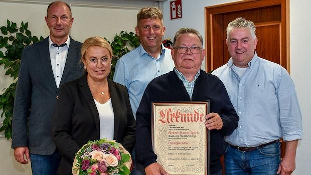 Schützenverein Holdorf ernennt Robert Hemmelgarn zum Ehrenvorstandsmitglid