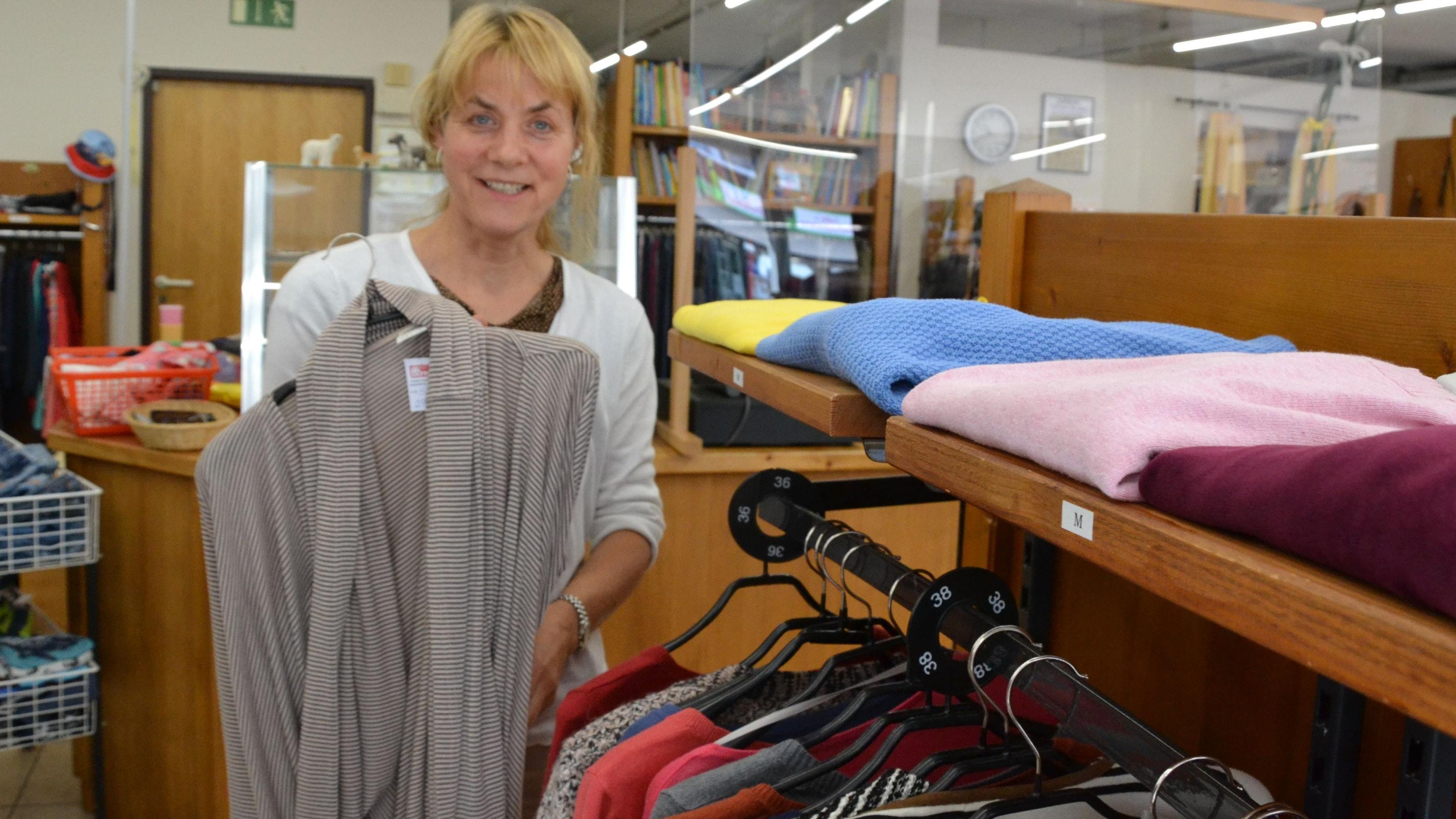 Qualität stimmt: Maria Busse leitet das Soziale Kaufhaus in Essen. Foto: Meyer