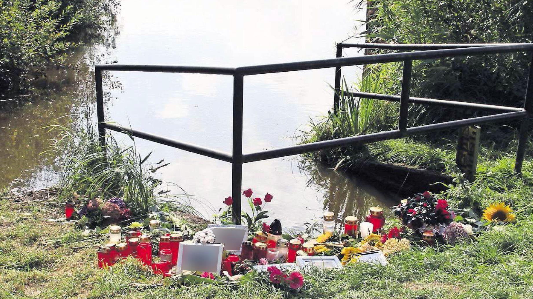 Im August 2016 trauerten die Barßeler um die Opfer des Bootsunglücks im Barßeler Tief. Archivfoto: Passmann