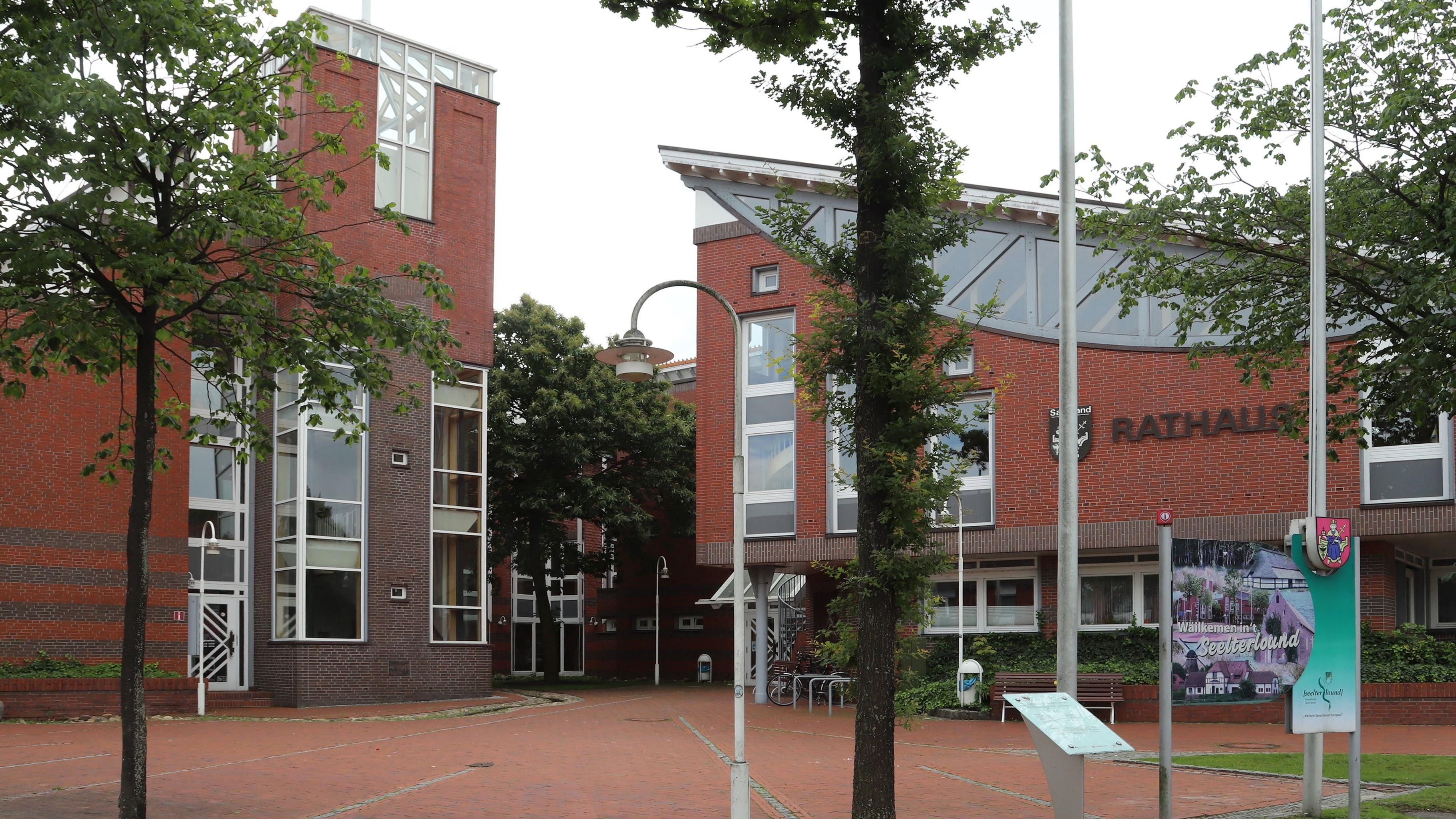 Bunter Gemeinderat: Im Rat der Gemeinde Saterland sind künftig 6 Parteien vertreten. Foto: Passmann