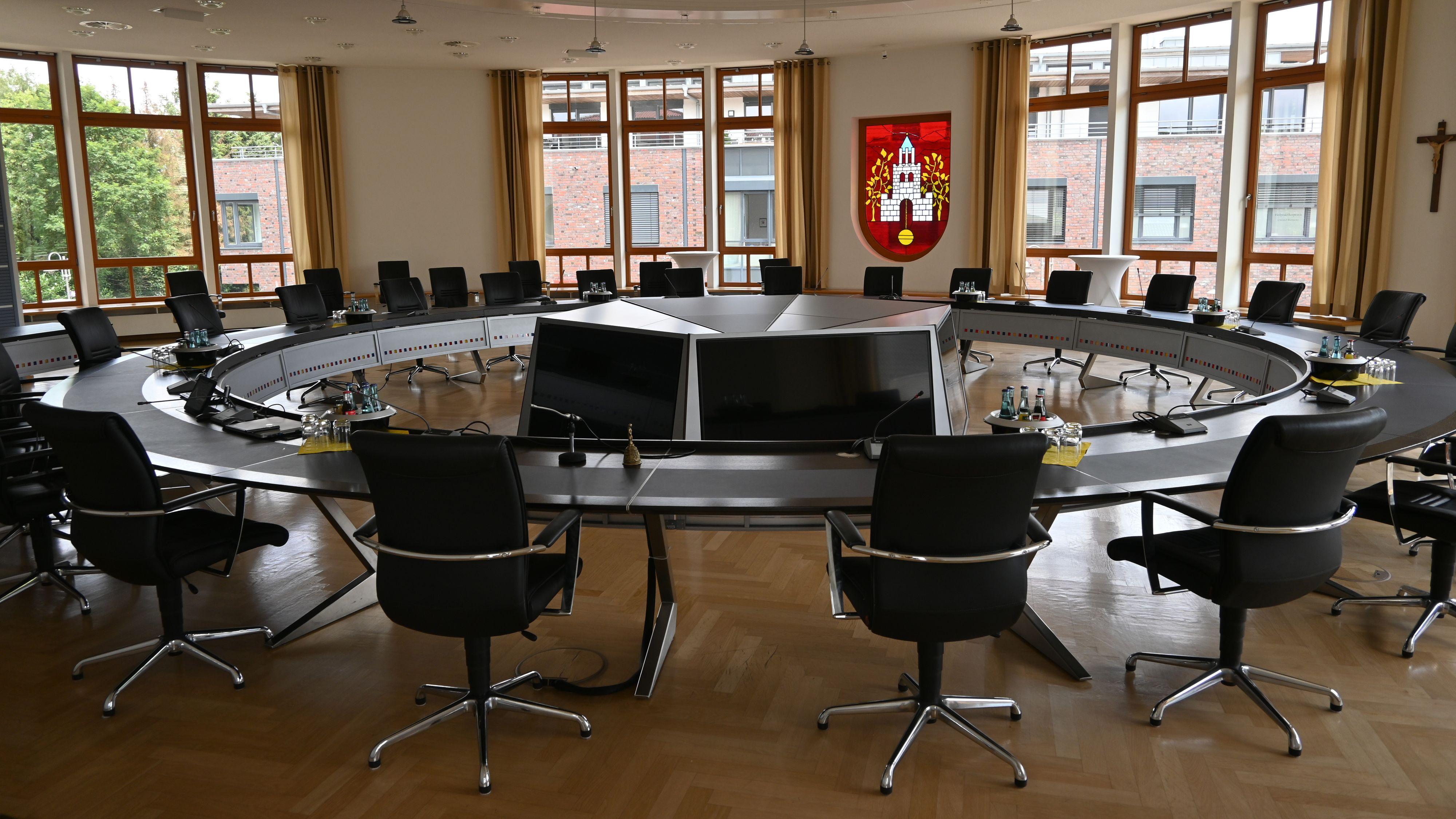 Stühlerücken: Zahlreiche neue Gesichter wird es bei der konstituierenden Sitzung in Emstek geben. Foto: Vorwerk