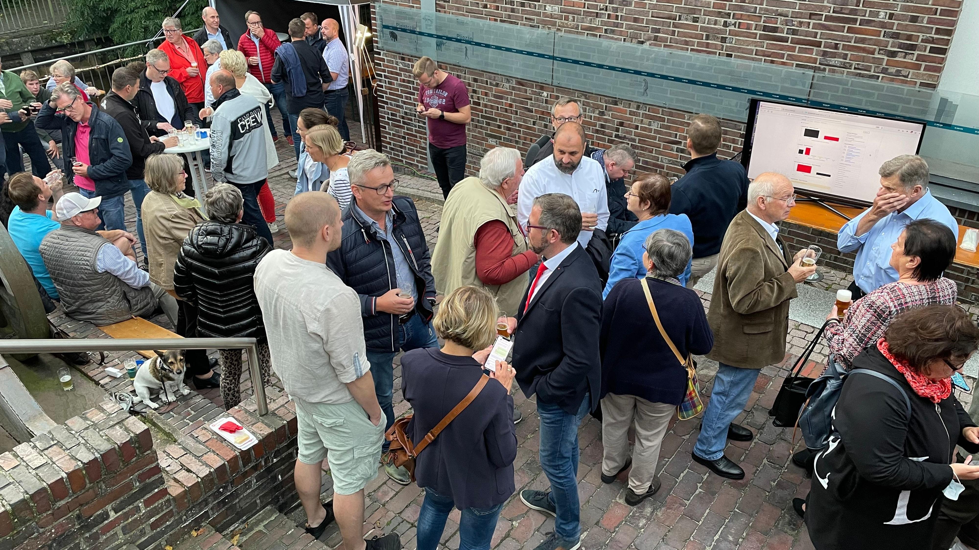 Entspannte Stimmung: In der Wassermühle feierte die SPD ihr Wahlergebnis. Foto: Stix