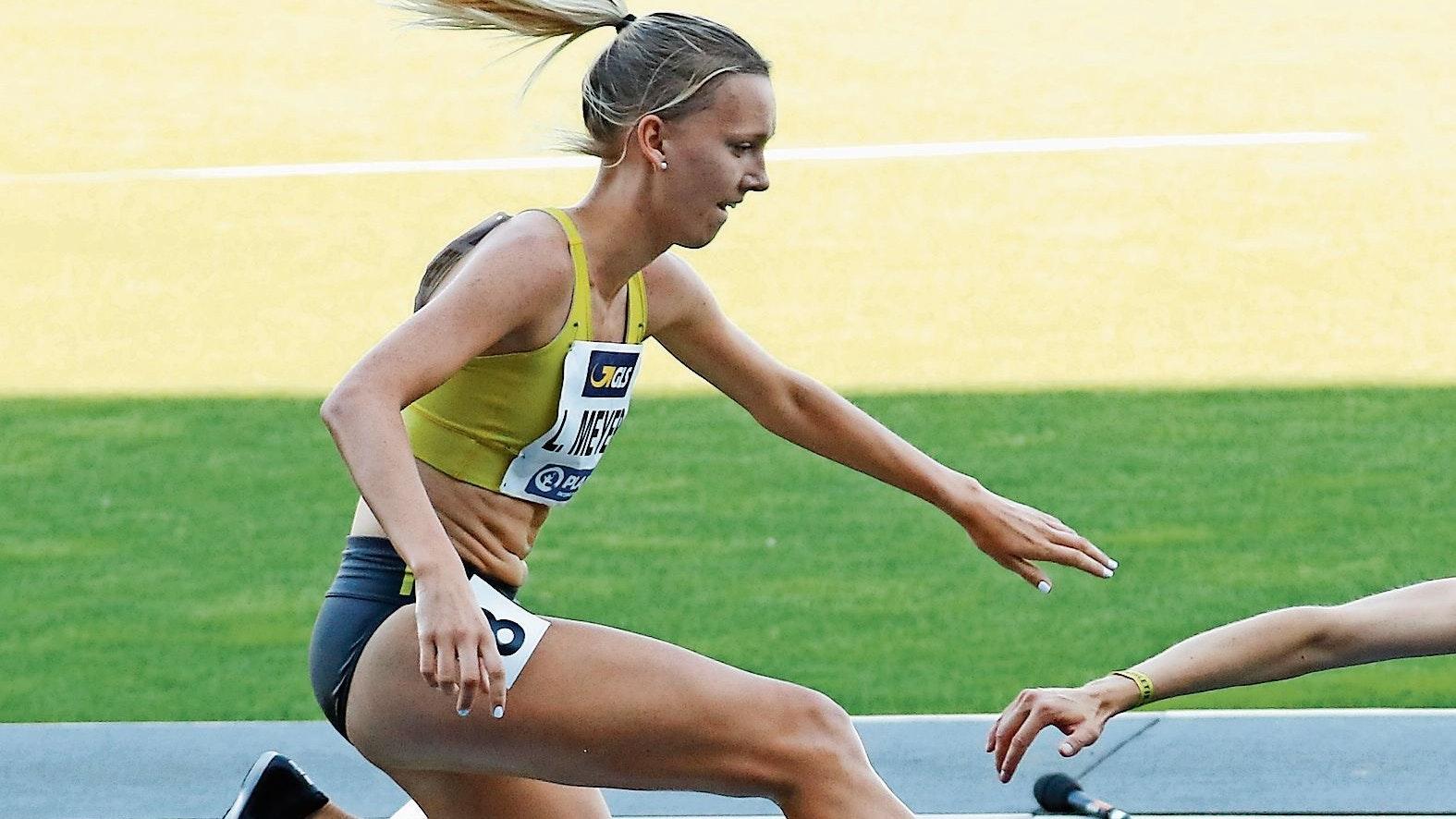 Großen Sprung gemacht: Lea Meyer, Läuferin des VfL Löningen, hat sich im Jahr 2021 über die 3000 Meter Hindernis enorm verbessert. Foto: Harald Prepens
